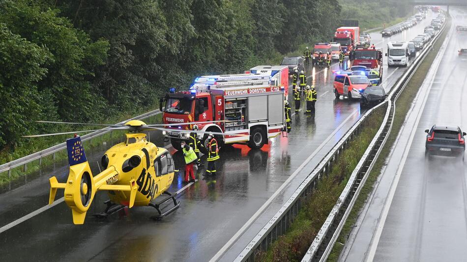 17 Verletzte bei zwei Unfällen auf A31 im Kreis Recklinghausen