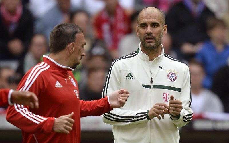 Bild zu Guardiola mit Ribery