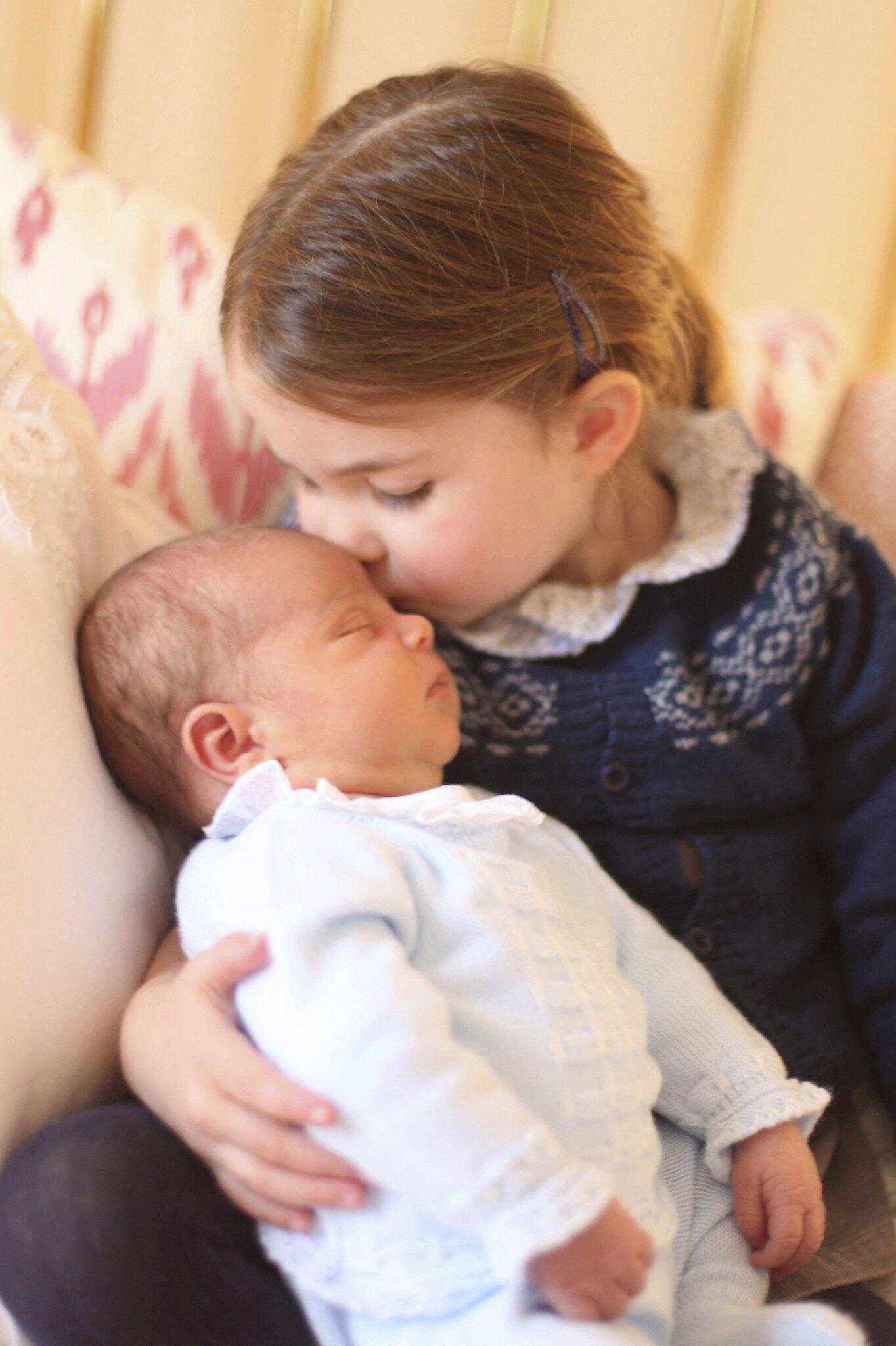 Bild zu Prinzessin Charlotte und Prinz Louis