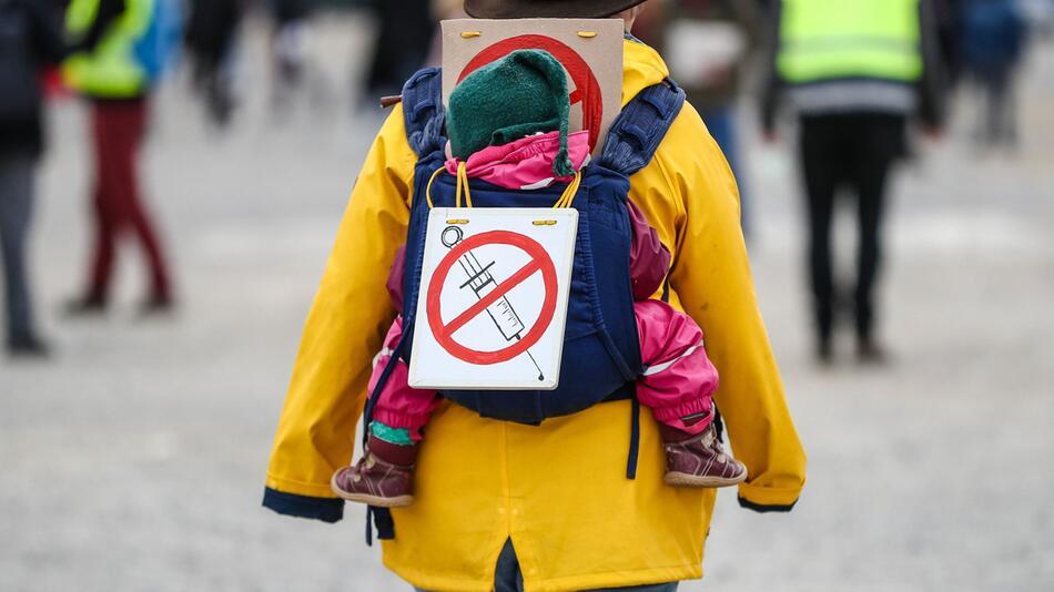 """Protestkundgebung Initiative """"Querdenken"""" - Impfgegner"""