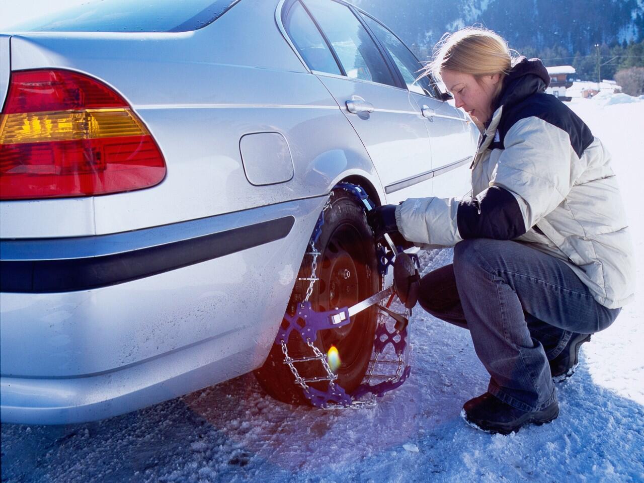 Bild zu Schneeketten: Ohne sie ist oft kein Vorankommen mehr möglich