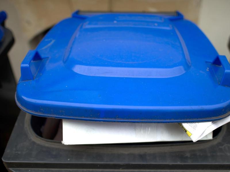 Bild zu Blaue Tonne für Altpapier