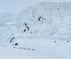 Lawine verschüttet mehrere Menschen in der Schweiz