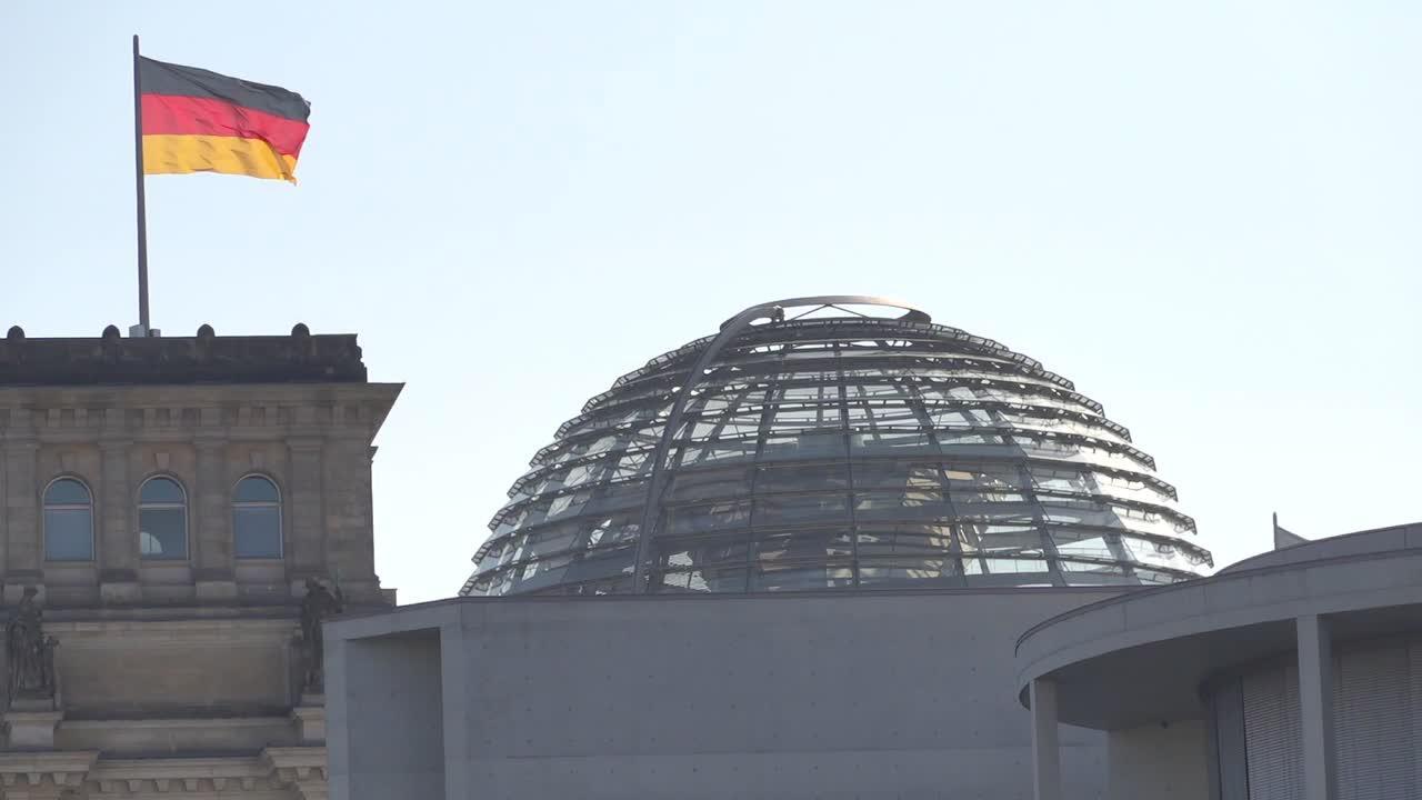 Bild zu Berlin, Deutschland, Hauptstadt, Kuppel, Reichstag, Bundestag