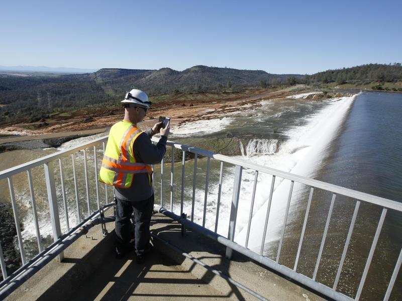 Bild zu Staudamm Beobachtung