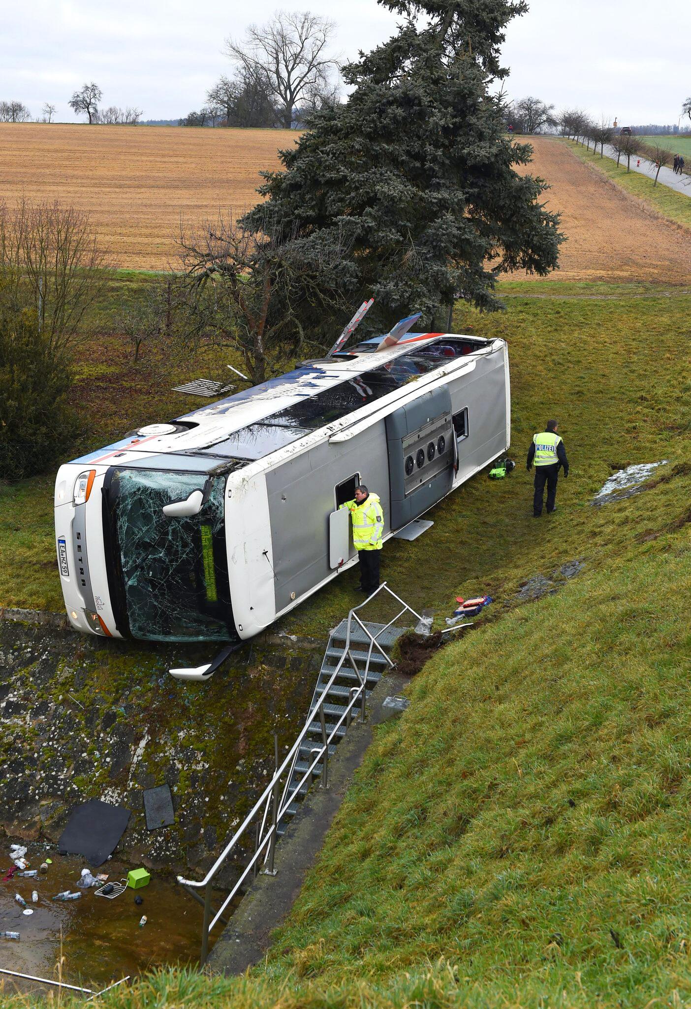 Bild zu Schulbusunfall in Thüringen