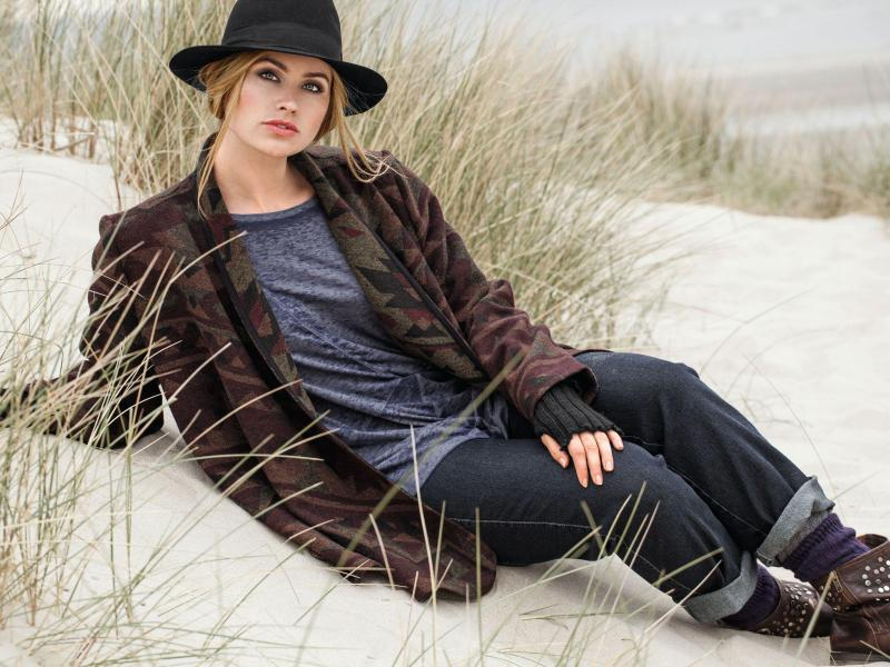 Bild zu Jacke und Shirt von Ulla Popken