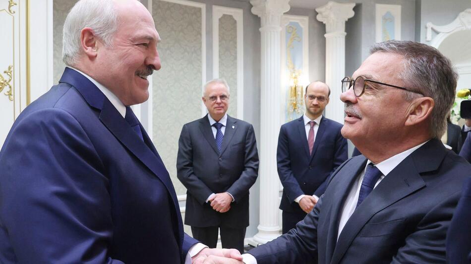 Alexander Lukaschenko und Rene Fasel