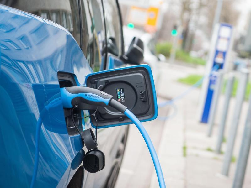Bild zu Elektroauto