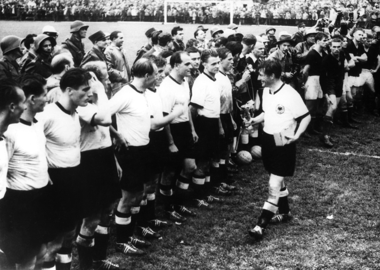 Bild zu WM 1954, Bern, Schweiz, Deutschland, Ungarn, Endspiel, Finale, Bern, Fritz Walter