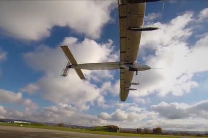 """Solar Impulse 2"" fliegt um die Welt"