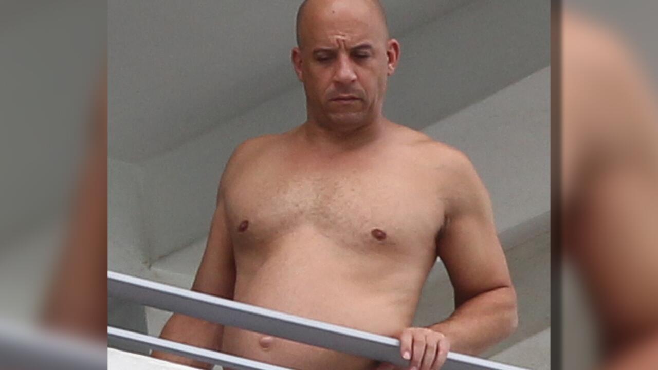 Bild zu Vin Diesel ist kaum wiederzuerkennen: Wo ist sein Sixpack? Jetzt ist er mit eine