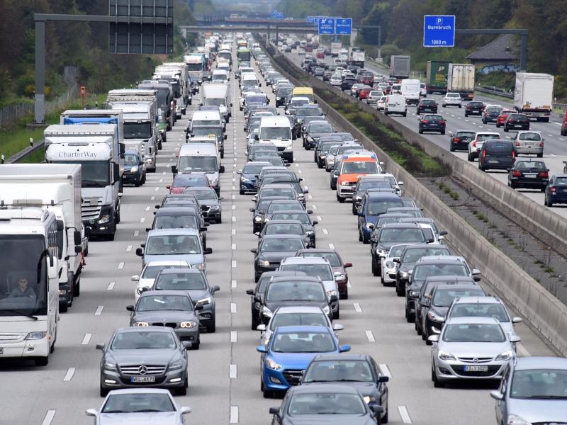 Bild zu Stau auf der Autobahn A5