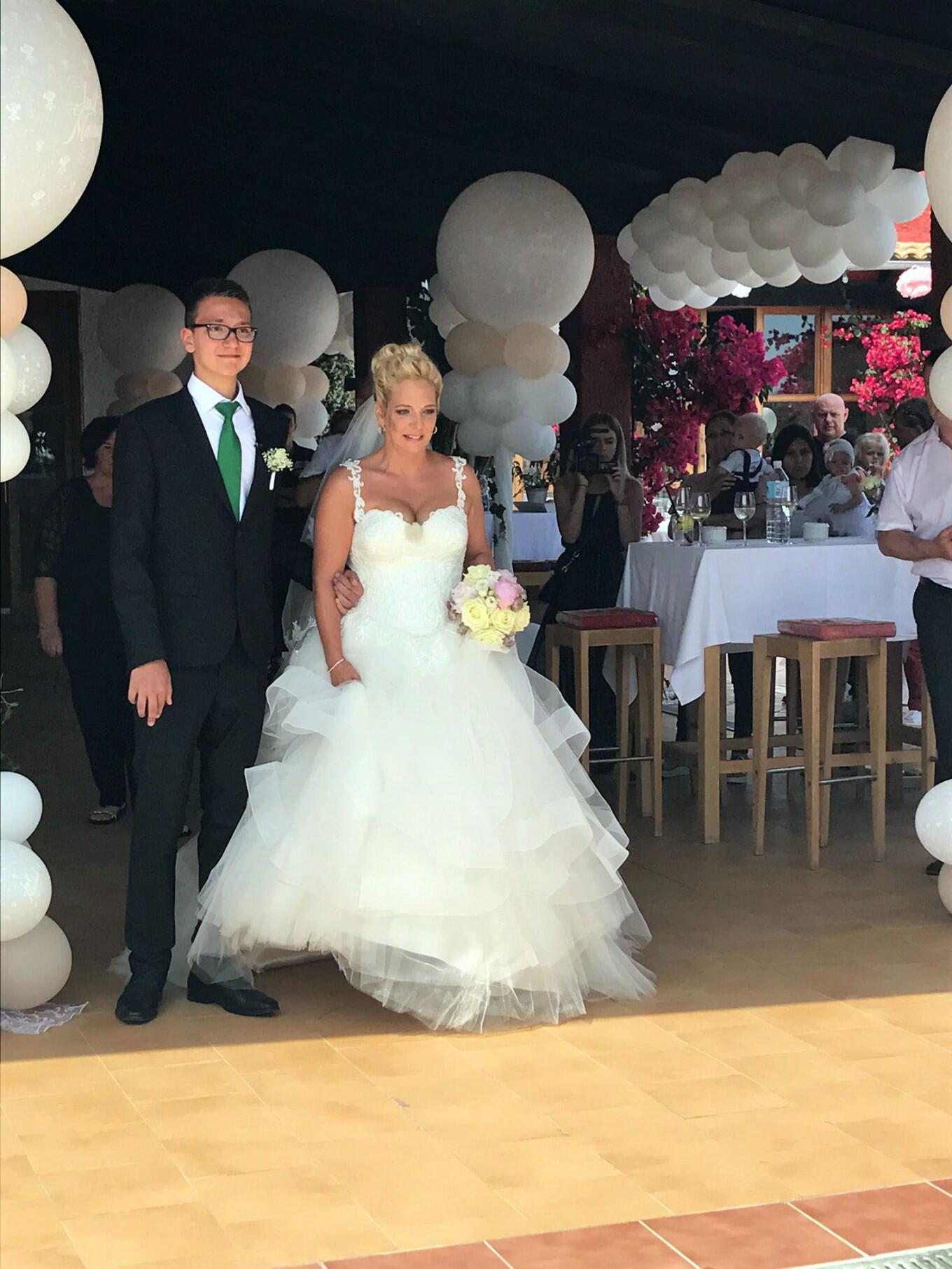Bild zu Goodbye Deutschland 2017, Jens Büchner, Hochzeit