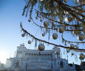 Weihnachtsbaum ''Spelacchio'' in Rom