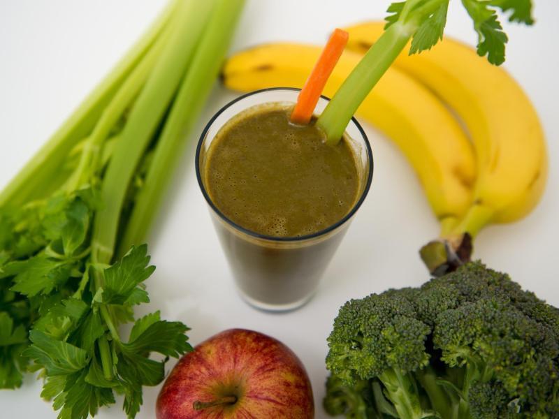 Bild zu Obst, Gemüse und Smoothie