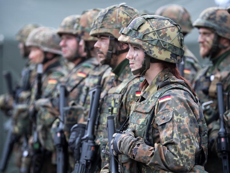 Bild zu Bundeswehr-Soldaten in Litauen