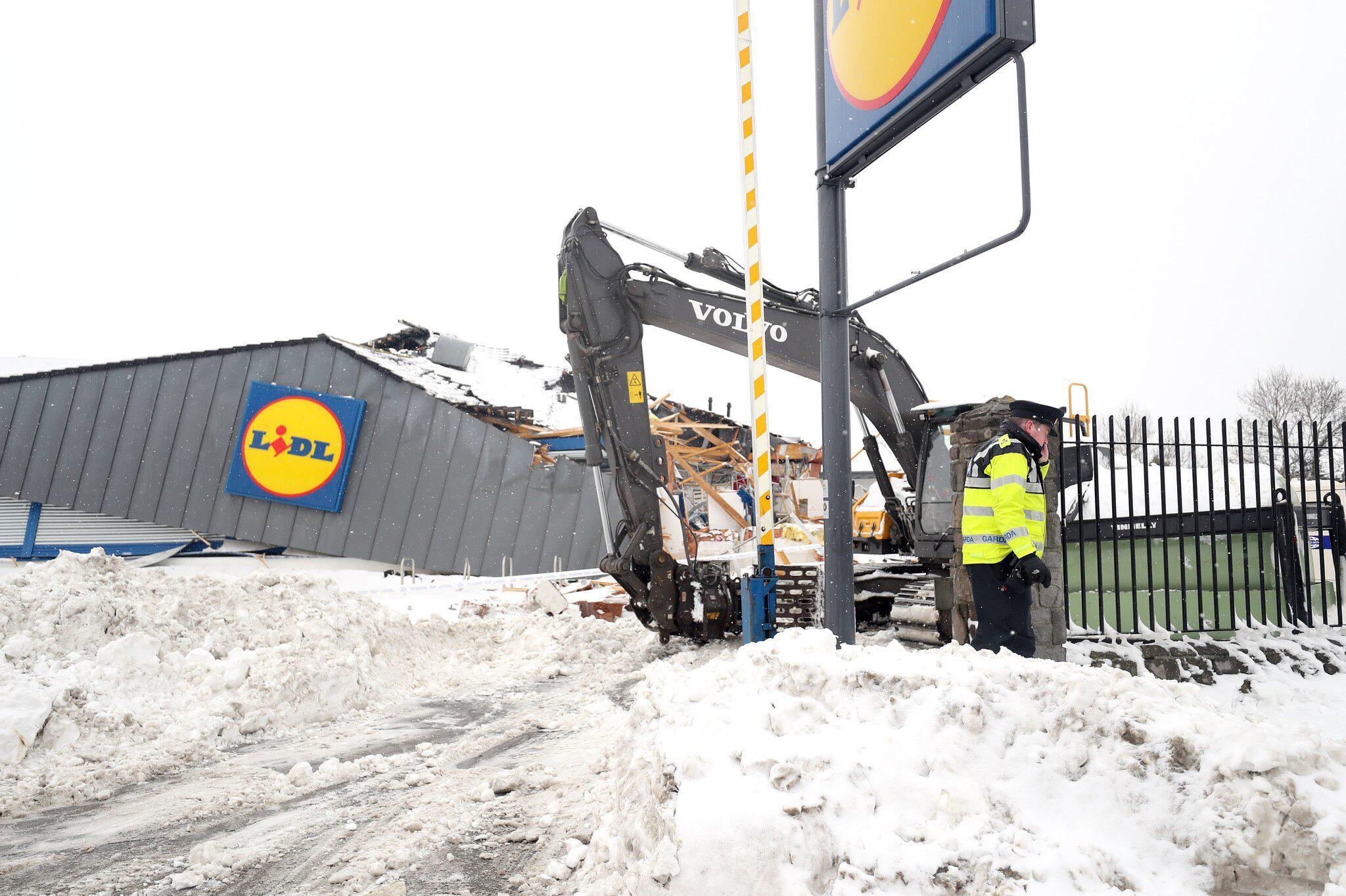 Bild zu Supermarkt in Irland geplündert