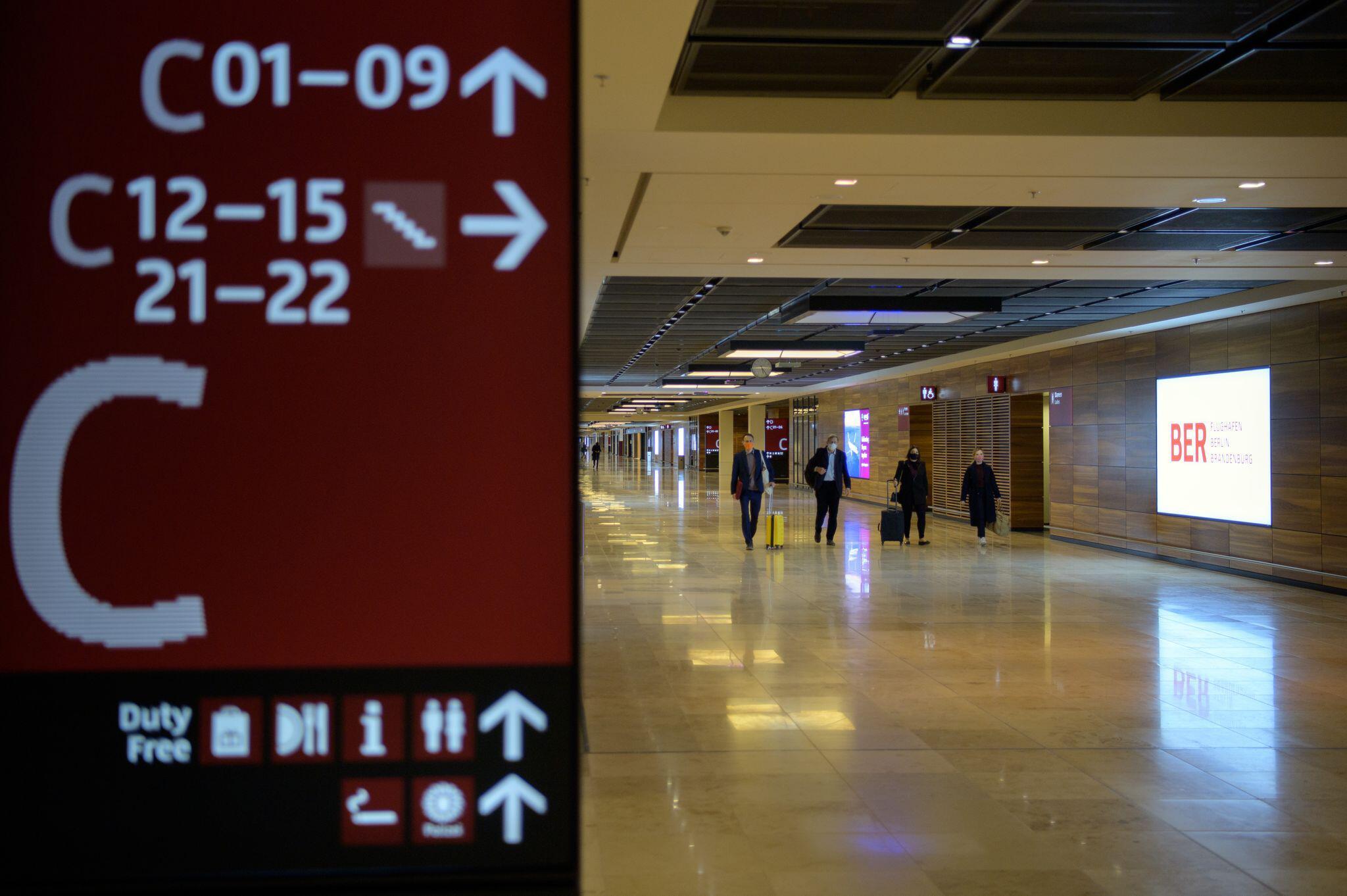 Bild zu Erste Starts vom neuen Flughafen Berlin Brandenburg Willy Brandt