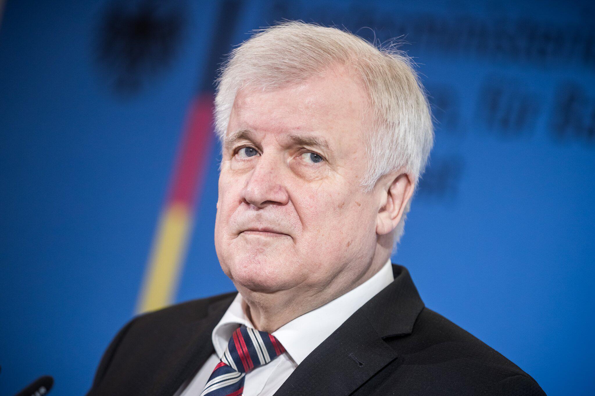 Bild zu Horst Seehofer schwänzt EU-Treffen