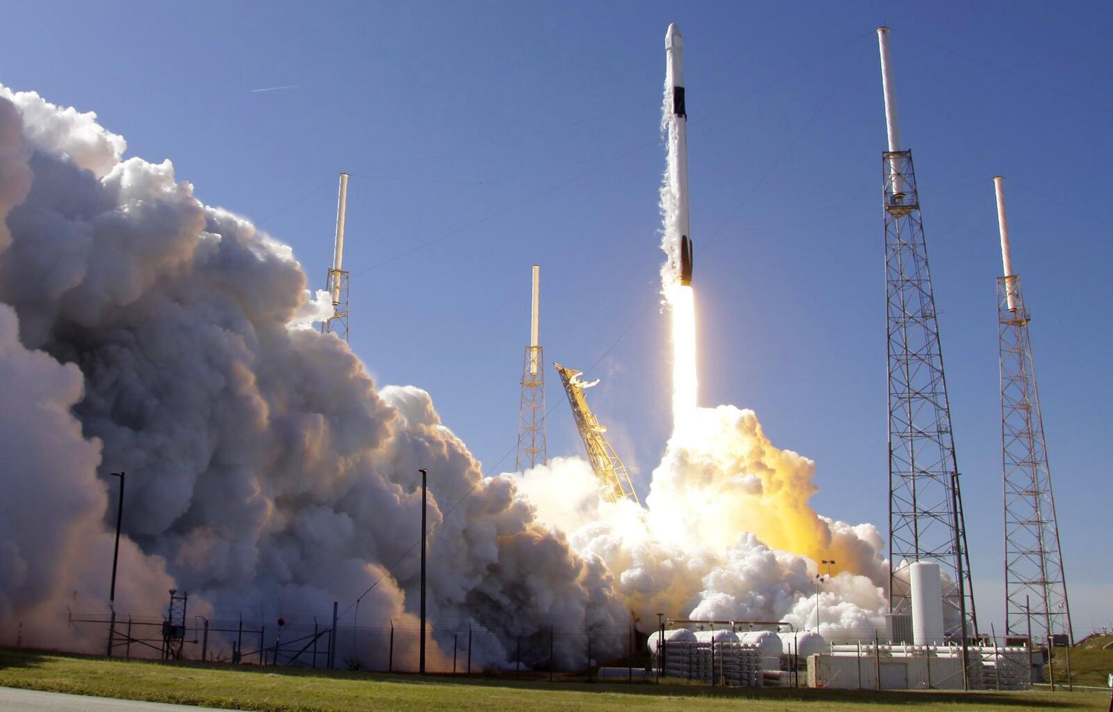Bild zu Falcon 9 SpaceX-Rakete startet zur ISS