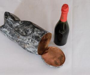 Älteste Sektflasche der Rotkäppchen-Sektkellerei