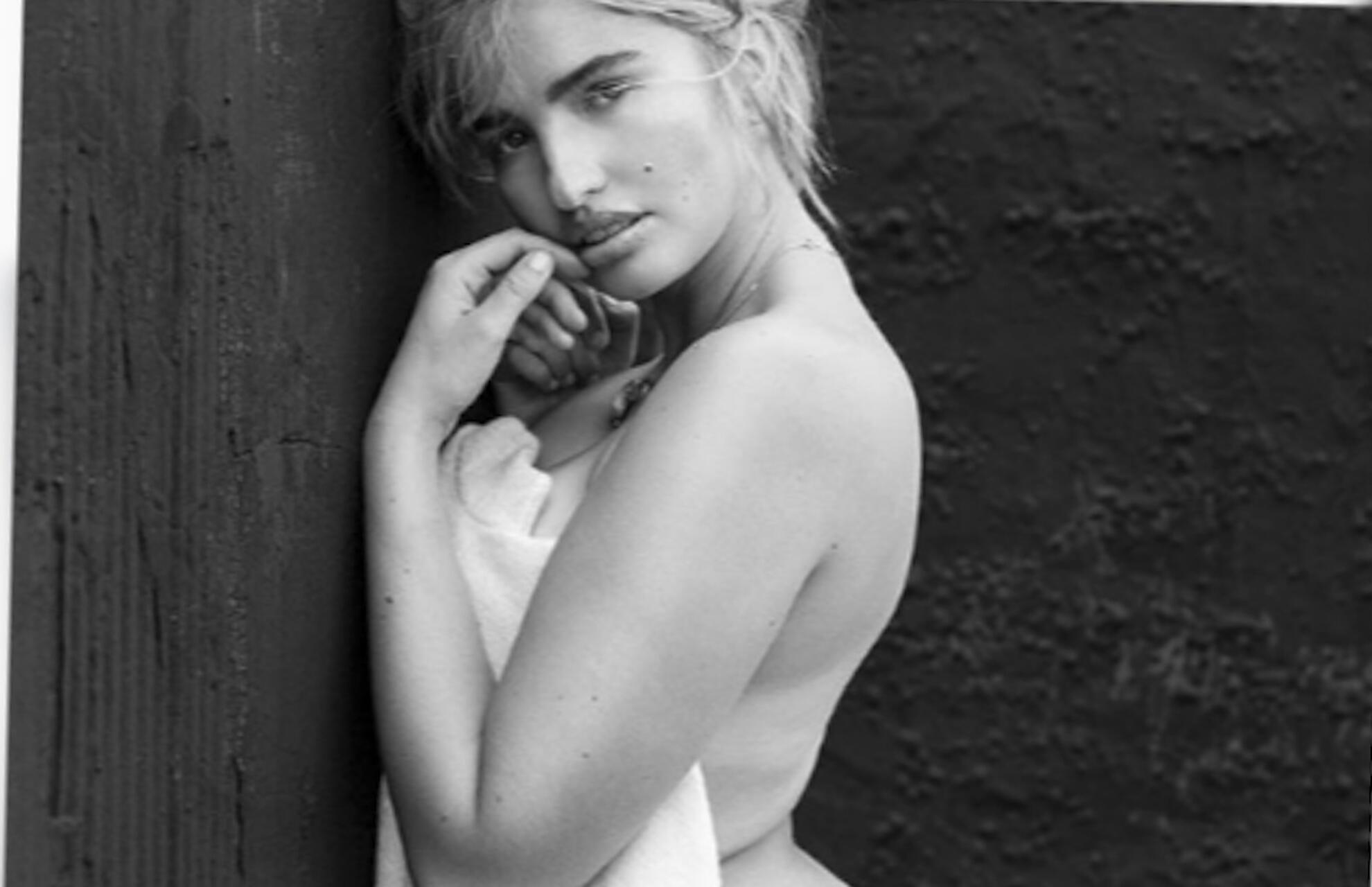 Bild zu Nach Modelmama Heidi – Sarina Nowak postet sexy Nacktfoto