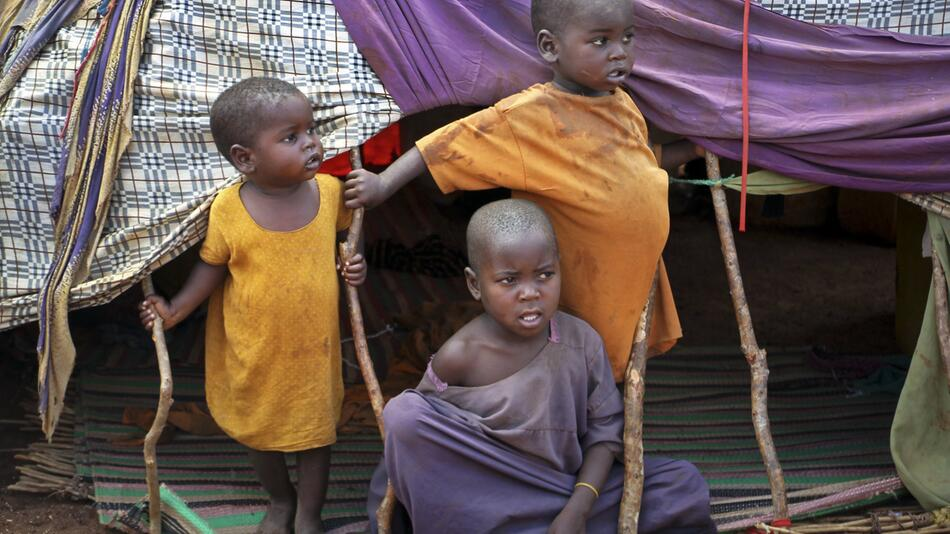 Armut, Klimawandel und Kommerz bedrohen Kinder weltweit