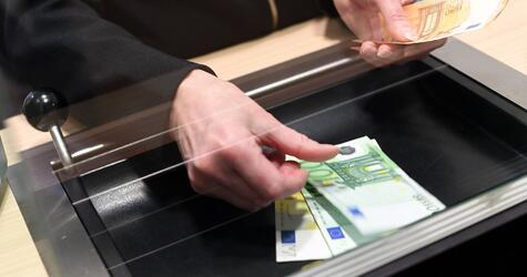 BGH verkündet Urteil zu Bankgebühren für Schalterbuchungen