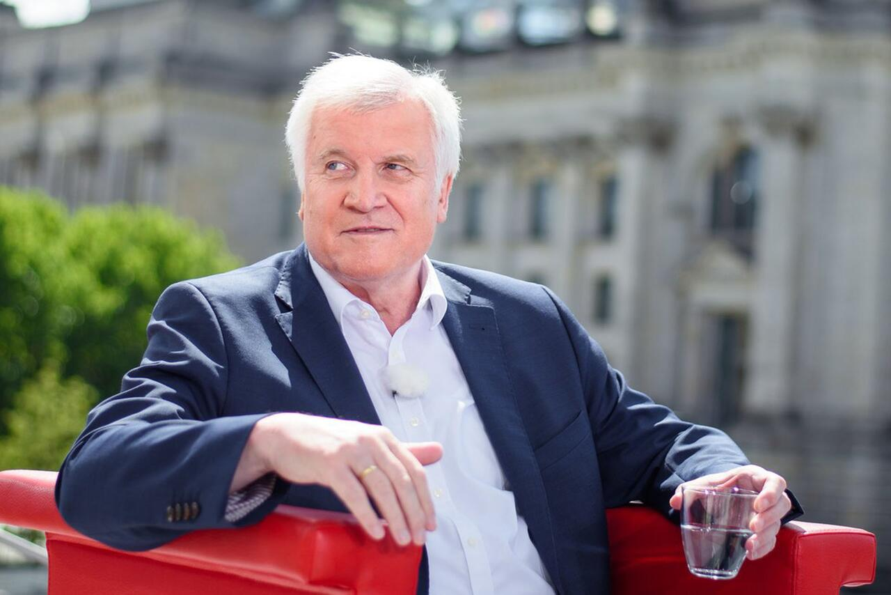 Bild zu Sommerinterviews von ARD und ZDF