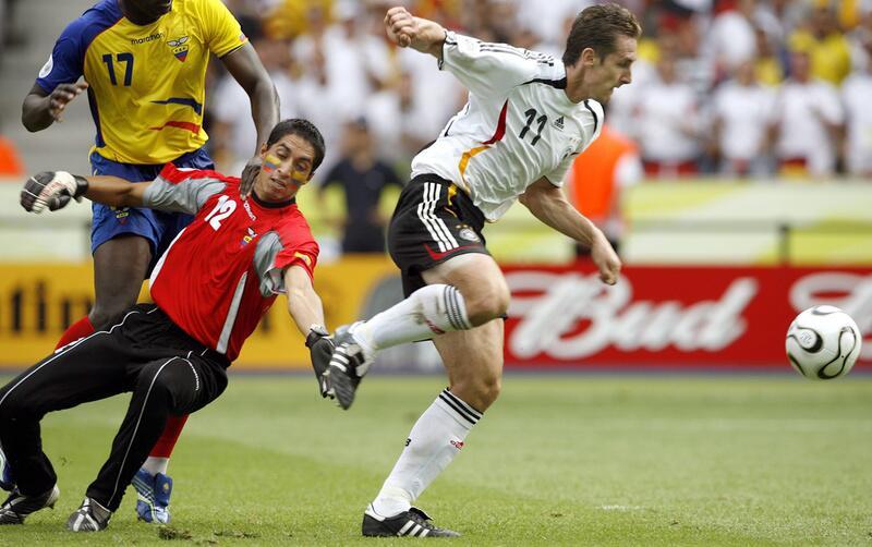 Bild zu Miroslav Klose trifft auch in der 44. Minute