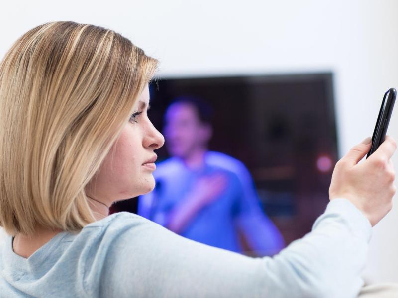 Bild zu Smartphone vs. TV