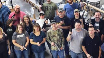 Bild zu USA: Firma schenkt Mitarbeitern Waffen zu Weihnachten.