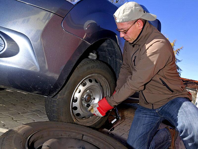 Bild zu Der Reifenwechsel ist gar nicht so schwierig