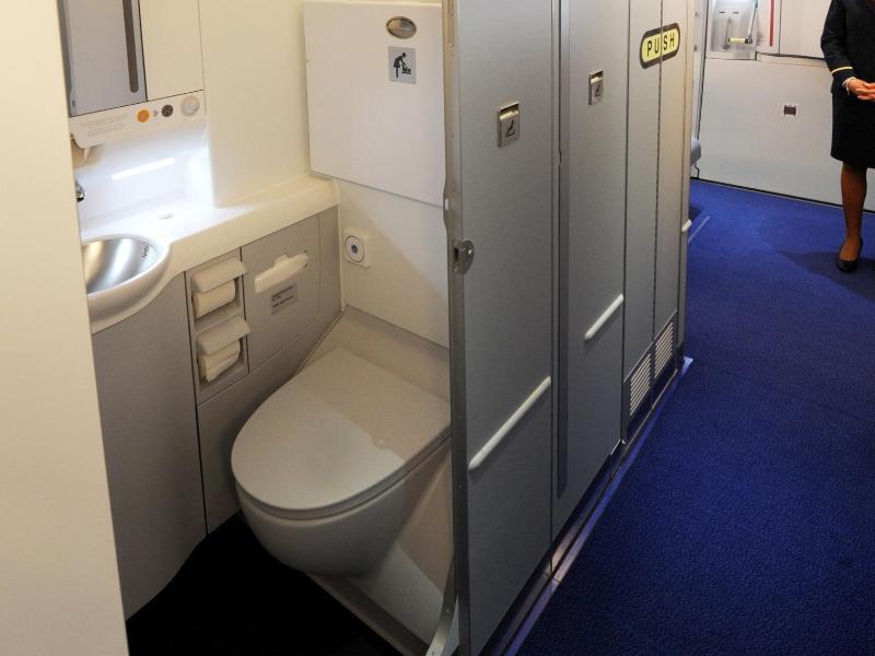 Bild zu Flugzeugtoilette