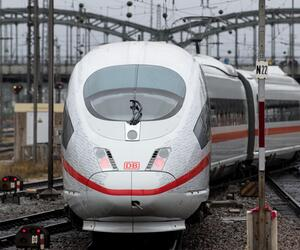 Opening of the high-speed railway route Berlin-Munich