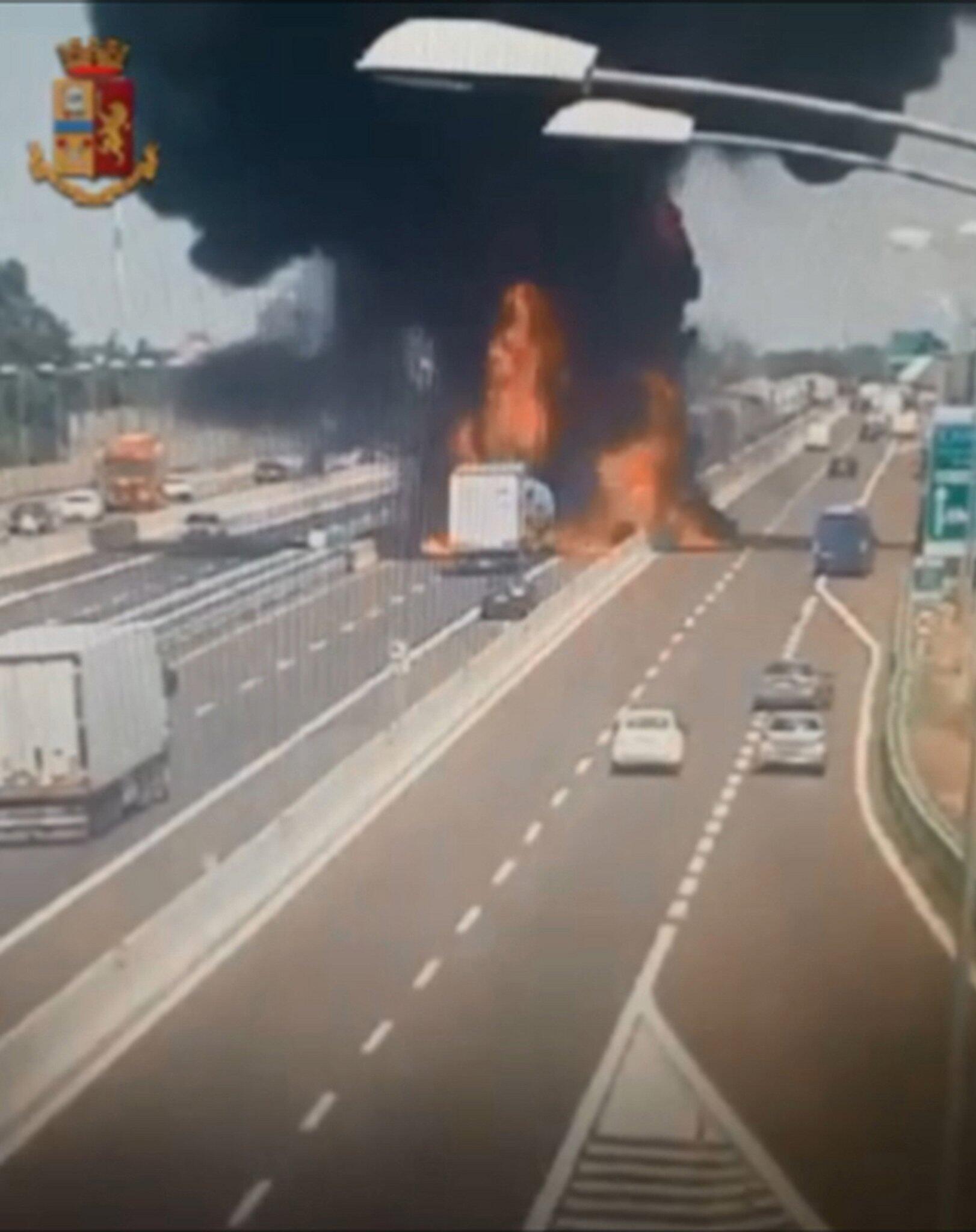 Bild zu Explosion in Bologna