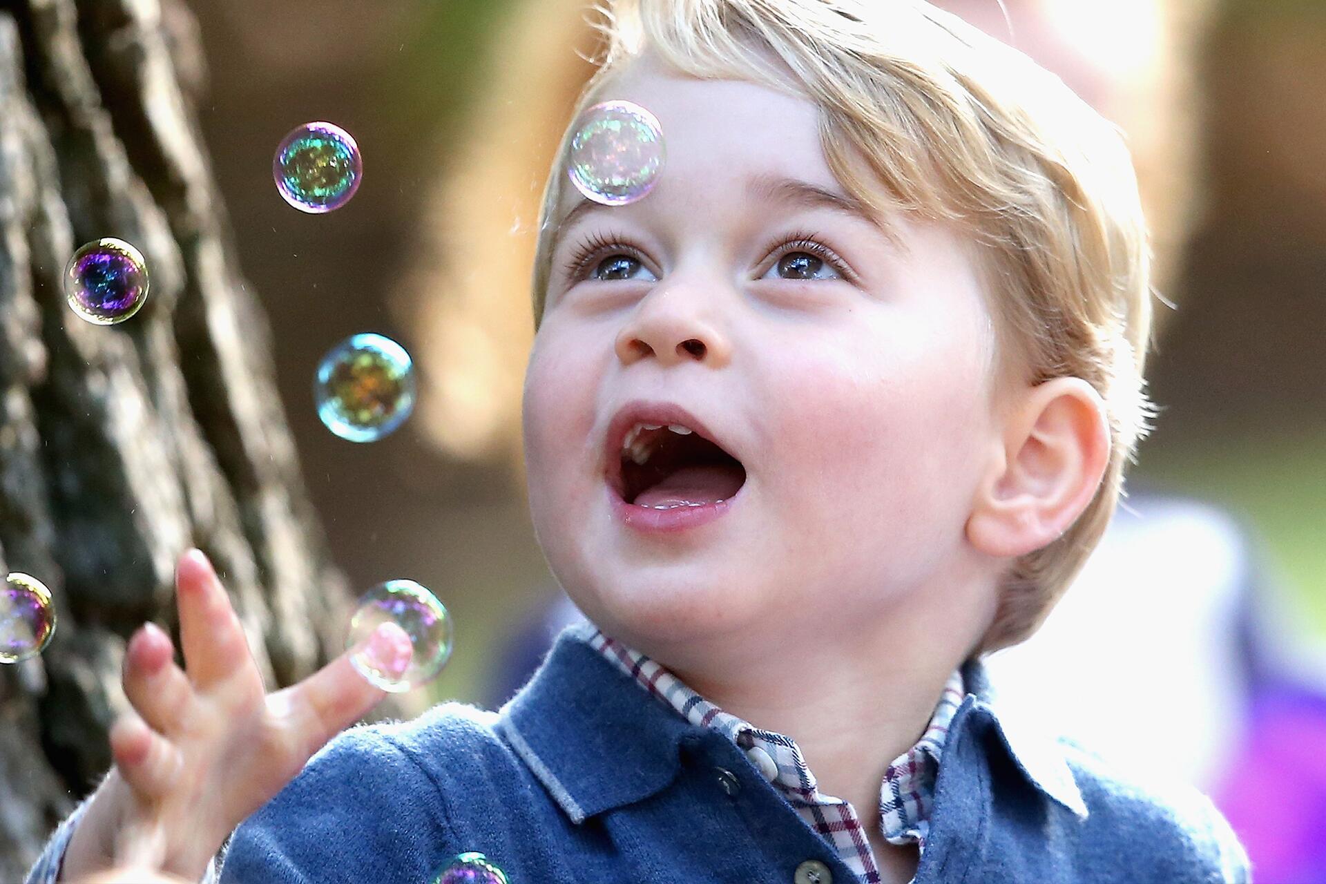 Bild zu Prinz George, Prinzessin Charlotte, Kinderparty, Kate, William