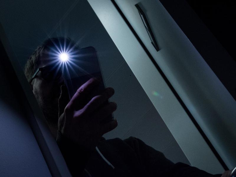 Bild zu Einschalten der LED-Taschenlampe