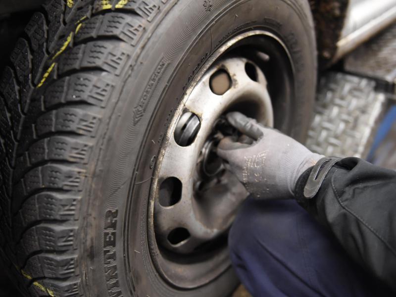 Bild zu Reifenwechsel
