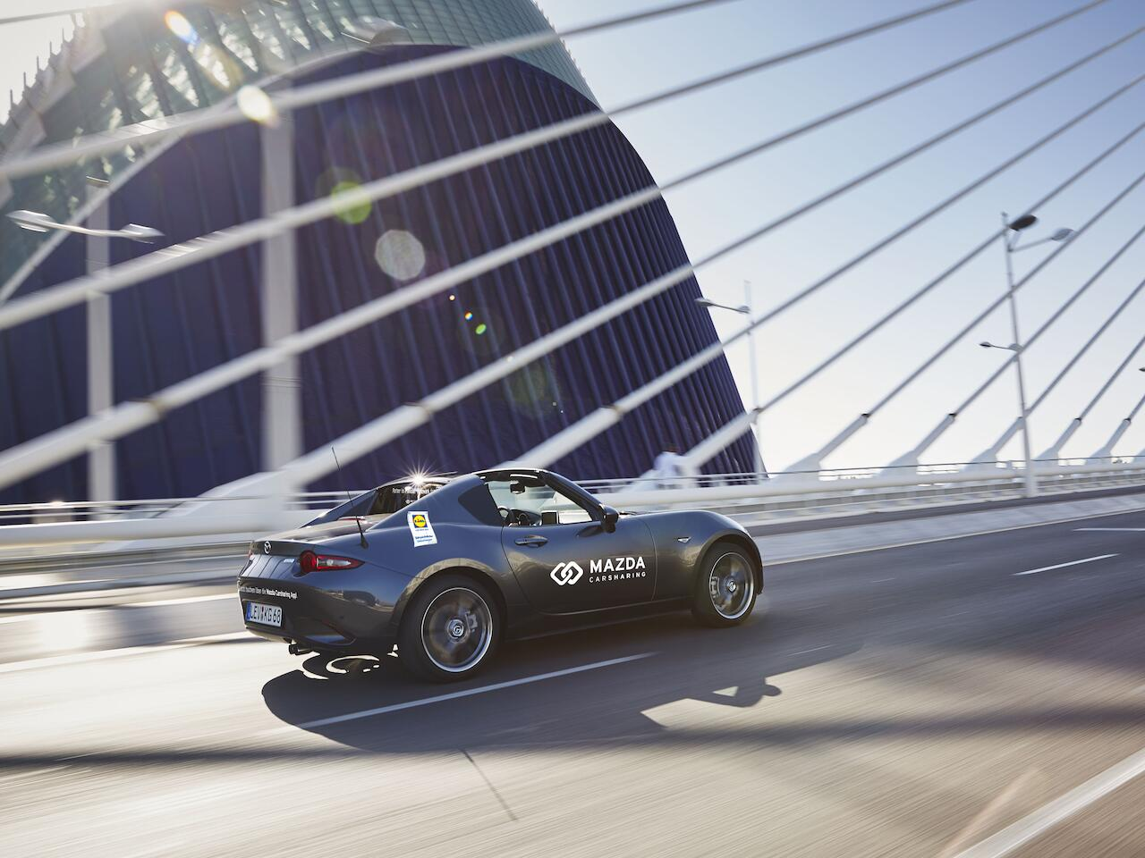 Bild zu Lidl und Mazda Carsharing