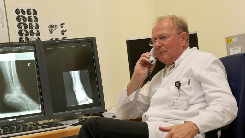 Prof. Karlheinz Hauenstein