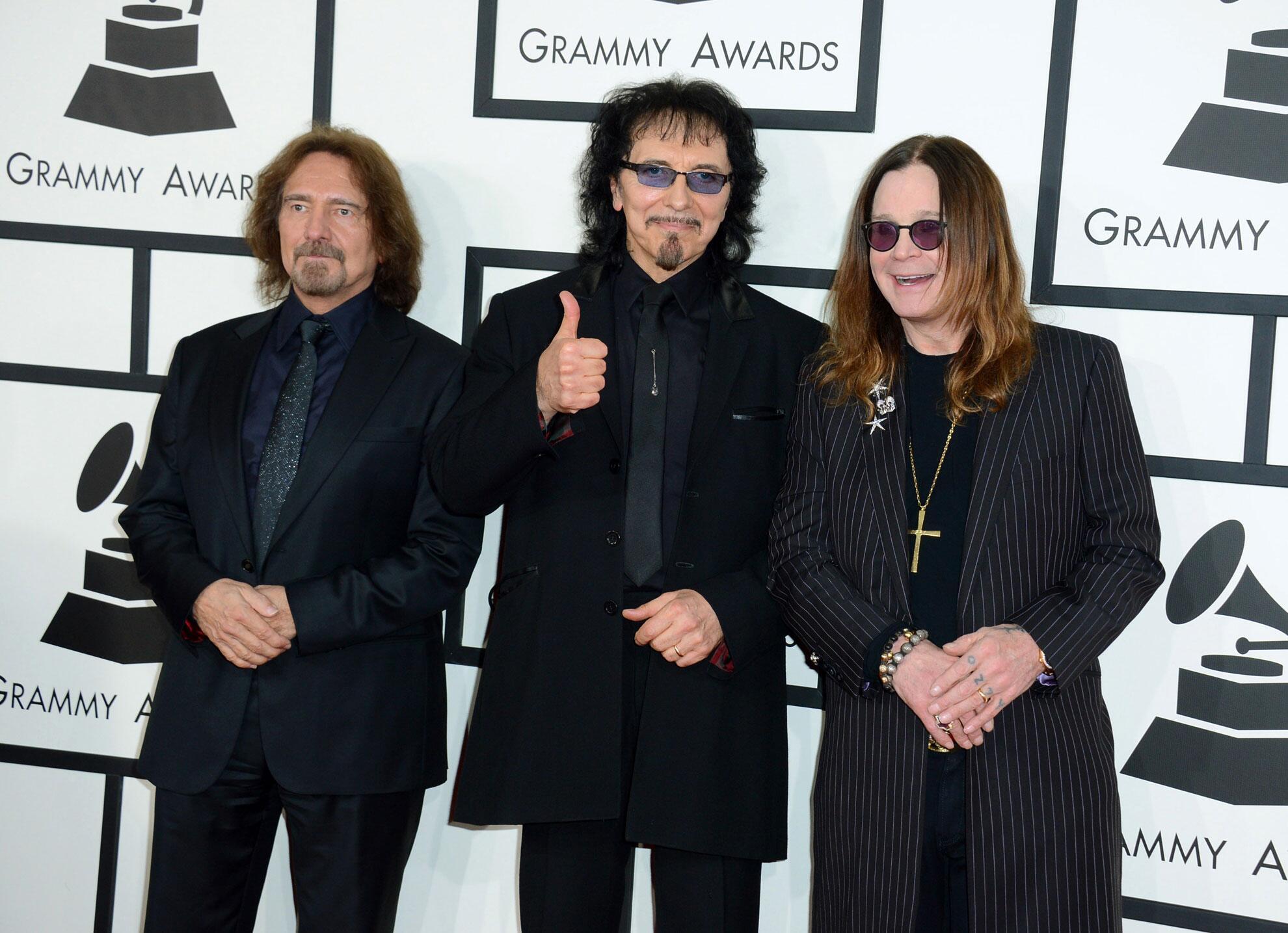 Bild zu Geezer Butler (li.), Tony Iommi (Mi.) und Ozzy Osbourne alias Black Sabbath
