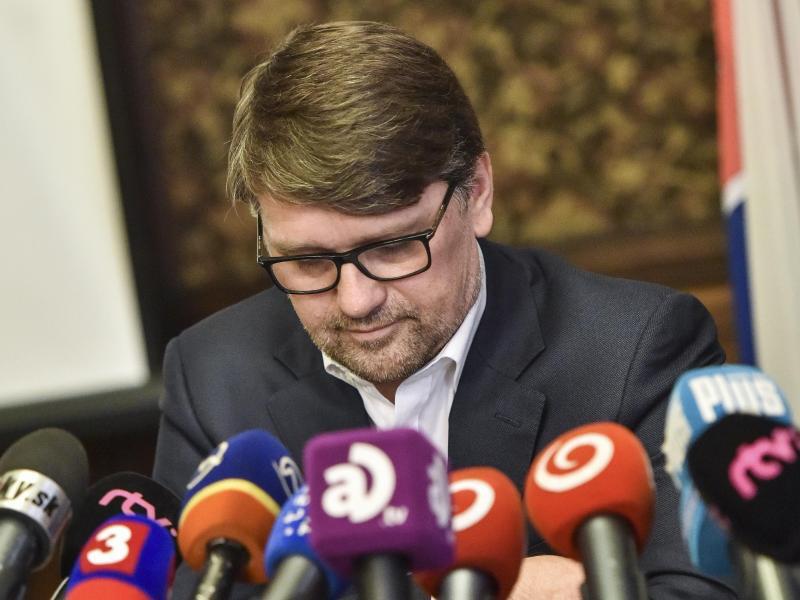 Bild zu Minister-Rücktritt