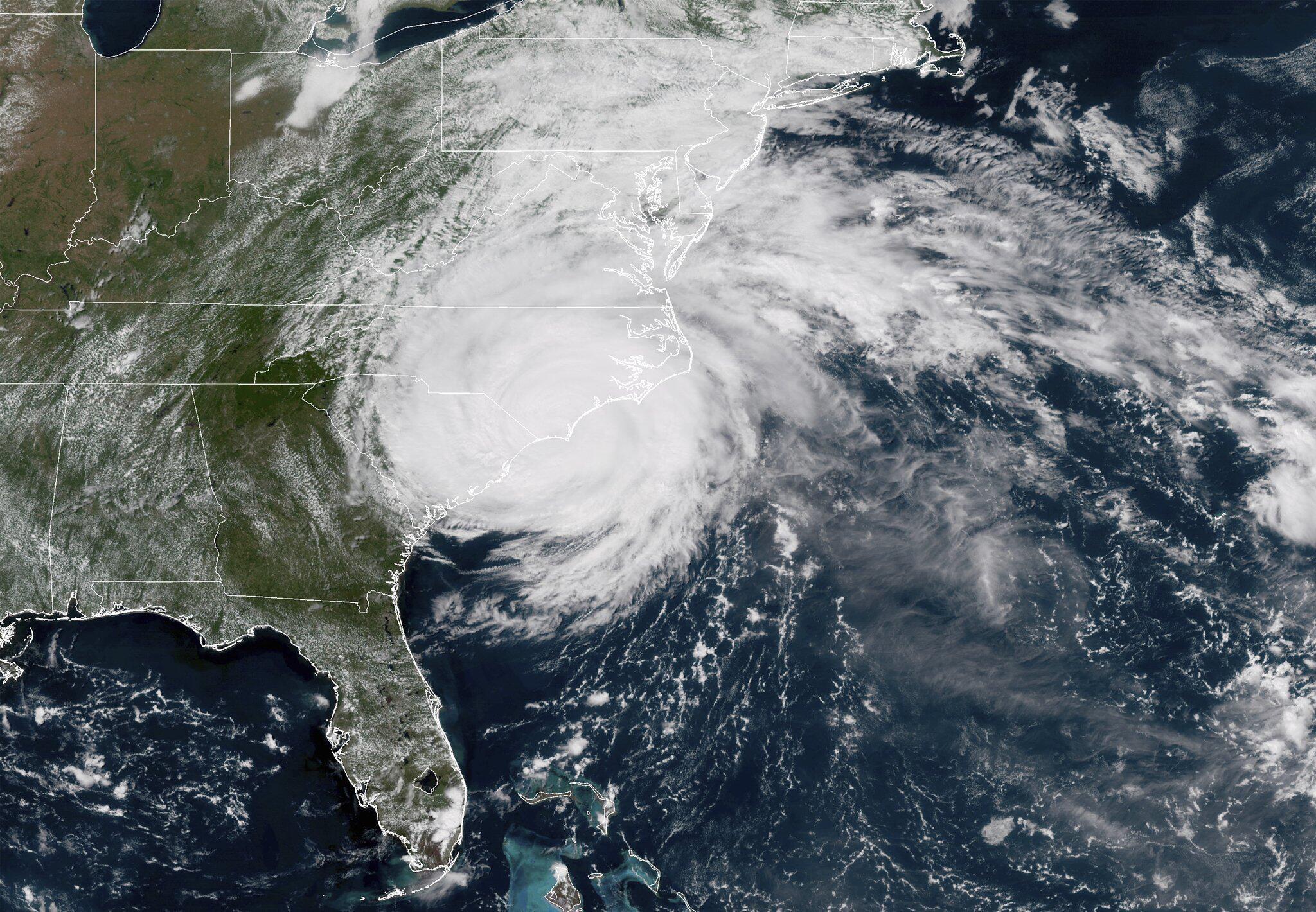 Bild zu Tropisches Wetter
