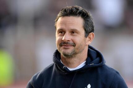 98-Coach