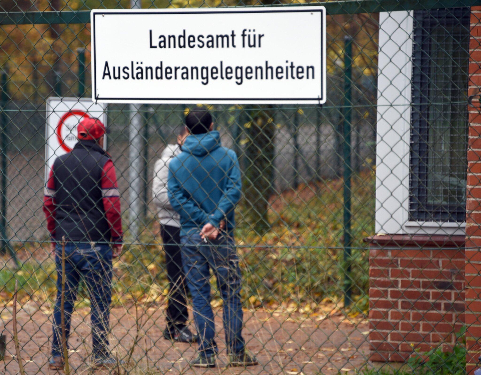 Bild zu Junge Flüchtlinge
