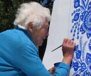 Eine Frau geht mit 90 Jahren ihrem Lebenstraum nach 1:1