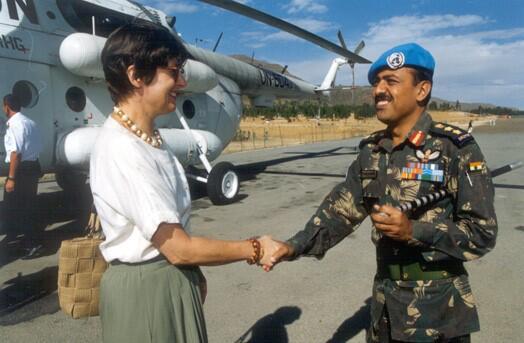 Mit Helikopter unterwegs zum indischen Peacekeeper Kontingent.