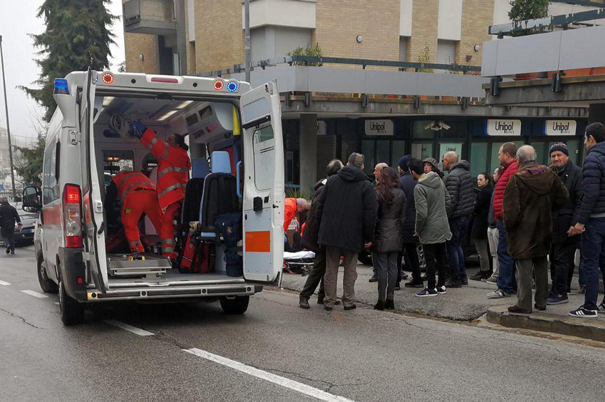 Bild zu Schüsse auf Ausländer in Macerata